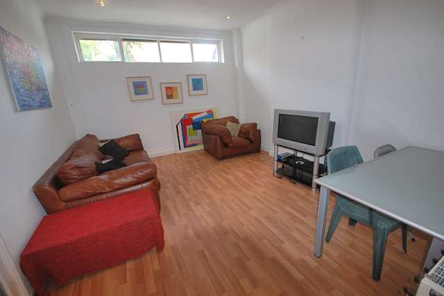 5 Bedrooms Terraced House for rent in Slade Lane, Fallowfield, Manchester, M19 2BY