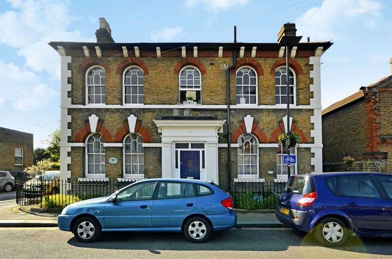 2 Bedrooms Flat for sale in Worple Road, Isleworth, TW7