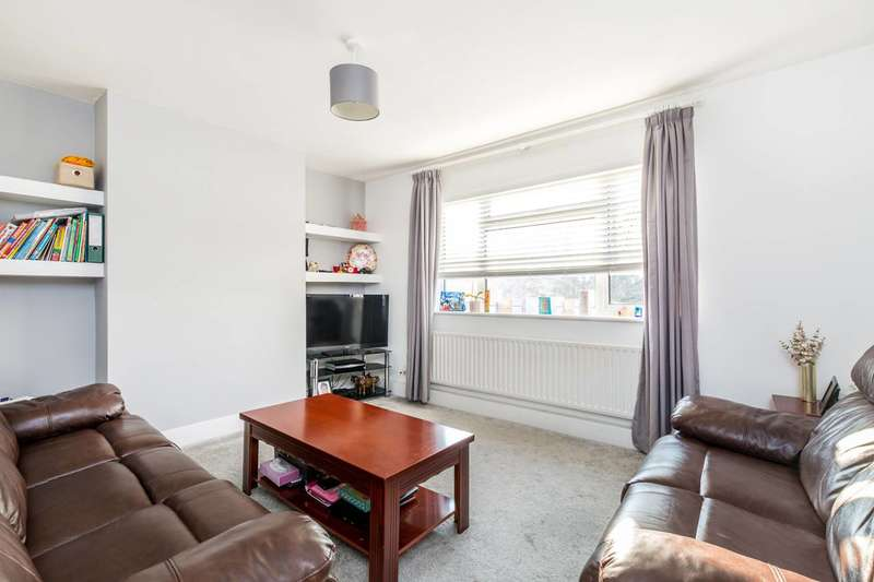 2 Bedrooms Flat for sale in Churchview Road, Twickenham, TW2