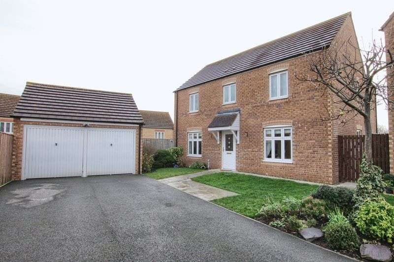 4 Bedrooms Detached House for sale in Hill View, Ingleby Barwick