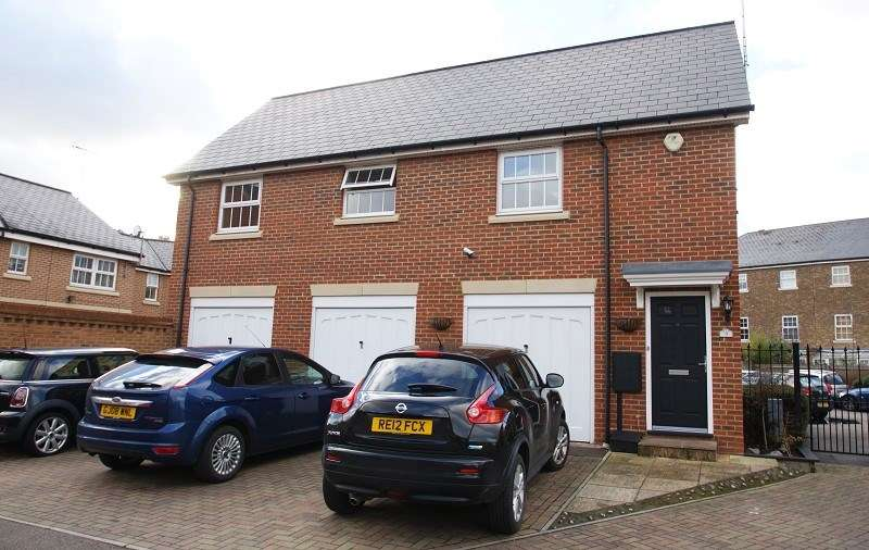 2 Bedrooms Detached House for sale in Reed Court, Greenhithe, Kent, DA9