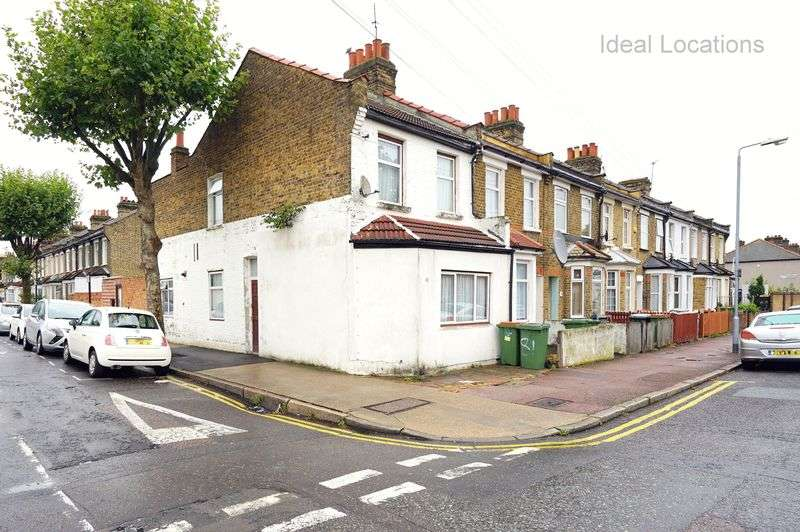 4 Bedrooms Terraced House for sale in 3 Bedroom Corner House, Market Street, London, E6