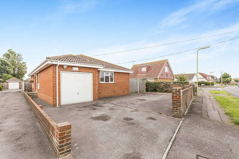 3 Bedrooms Detached Bungalow for sale in Eastoke Avenue, HAYLING ISLAND, PO11