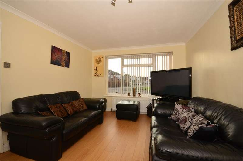 3 Bedrooms Semi Detached House for sale in Willoughby Avenue, Beddington, Surrey