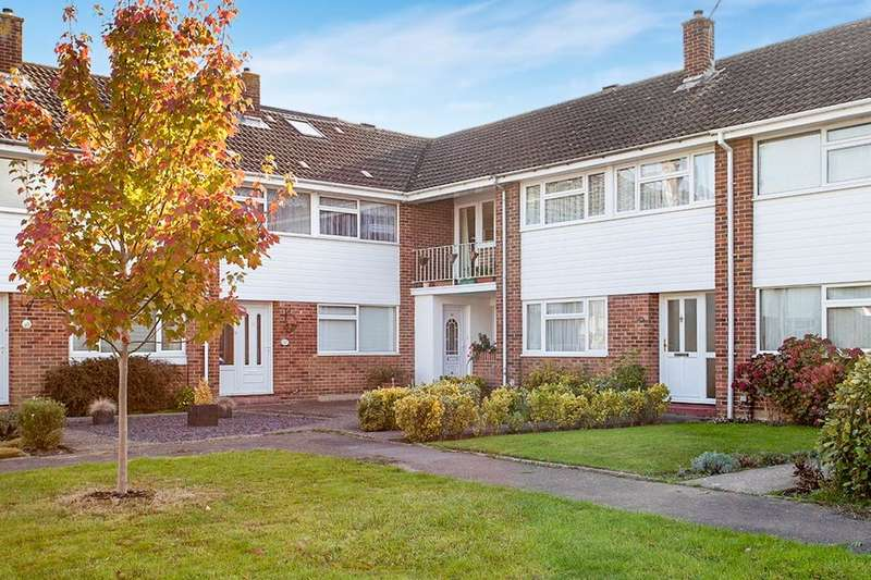 2 Bedrooms Flat for sale in Forest Road, Paddock Wood, Tonbridge, TN12