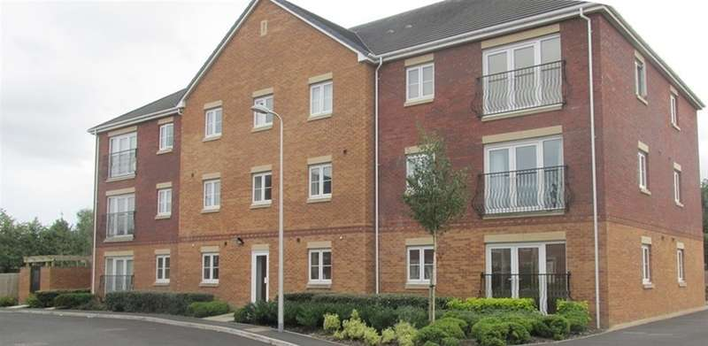 2 Bedrooms Flat for sale in Moorland Green, Gorseinon, Swansea