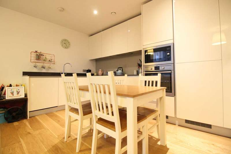 1 Bedroom Apartment Flat for sale in Halyards Court, Brentford