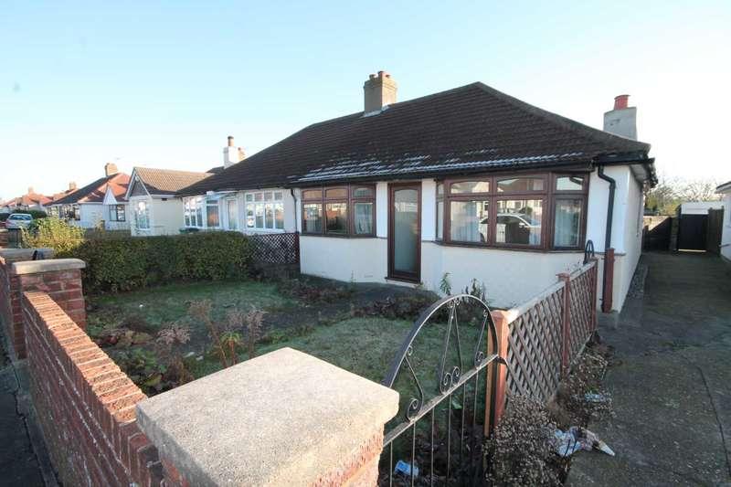 2 Bedrooms Bungalow for sale in King Harolds Way, Bexleyheath