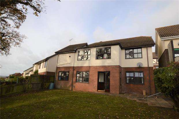 4 Bedrooms Detached House for sale in Avranches Avenue, Crediton, Devon