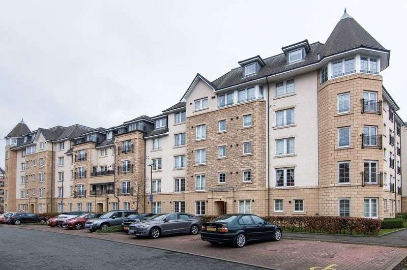 2 Bedrooms Flat for sale in 11/1 Powderhall Rigg, Broughton, Edinburgh, EH7 4GG