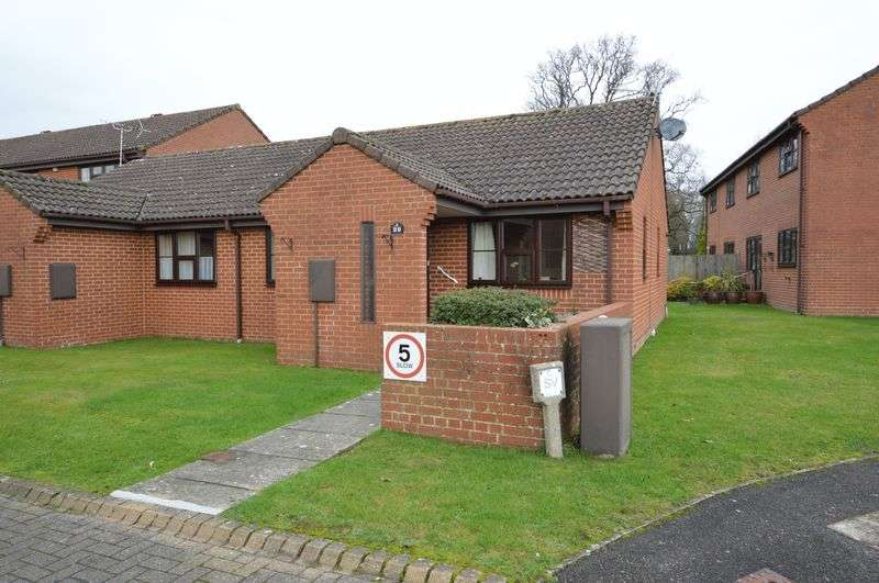 2 Bedrooms Semi Detached Bungalow for sale in Rookwood View, Waterlooville