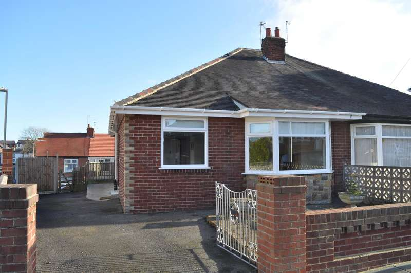 2 Bedrooms Detached House for sale in Ascot Road, Blackpool, FY3 8DF