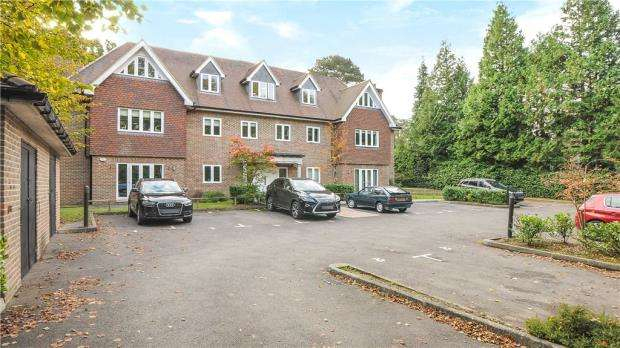 2 Bedrooms Apartment Flat for sale in Kellie House, London Road, Sunningdale