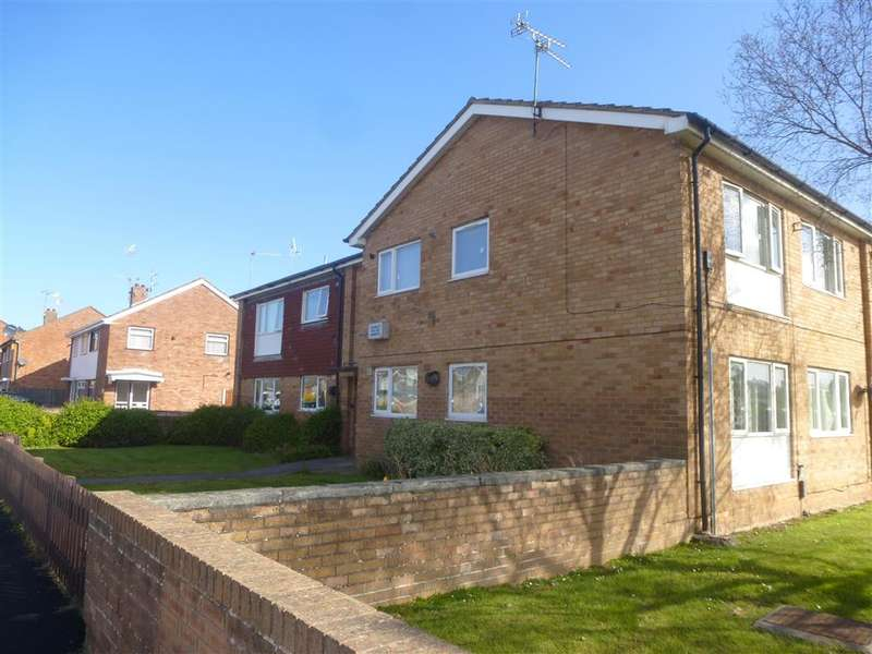 2 Bedrooms Flat for rent in Stavordale Road, WIRRAL, CH46
