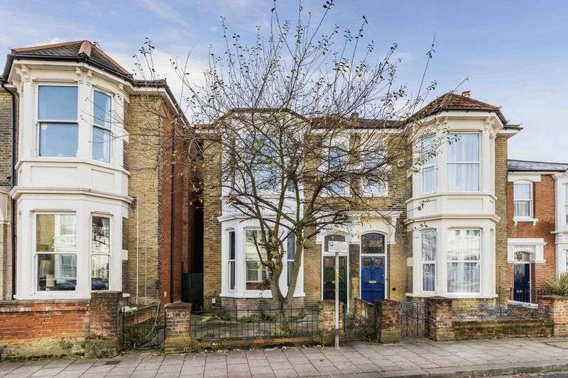 5 Bedrooms Semi Detached House for sale in St. Edwards Road, Southsea