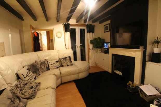 2 Bedrooms Terraced House for sale in High Holborn, Ilkeston, Derbyshire, DE7 8LA
