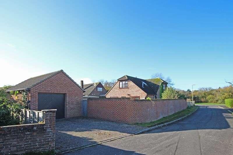 3 Bedrooms Chalet House for sale in Chestnut Road, Brockenhurst