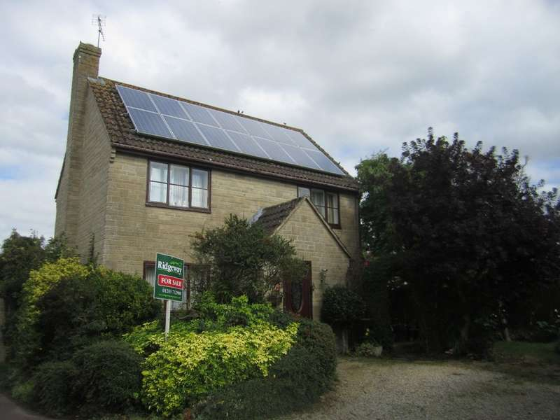 3 Bedrooms Detached House for sale in Swynford Close, Kempsford