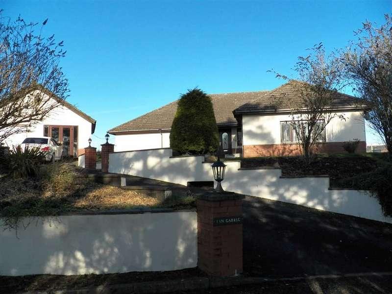 4 Bedrooms Property for sale in Heol Meinciau Mawr, Meinciau