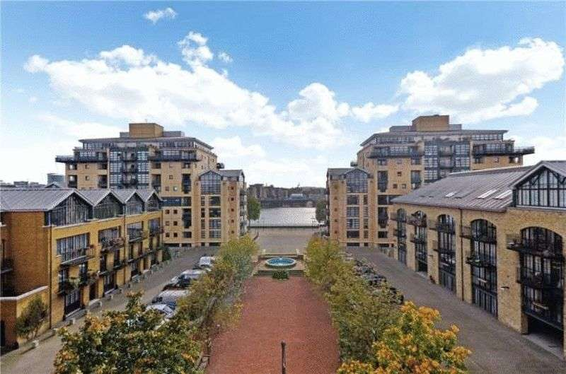 1 Bedroom Flat for sale in One double bedroom, E14