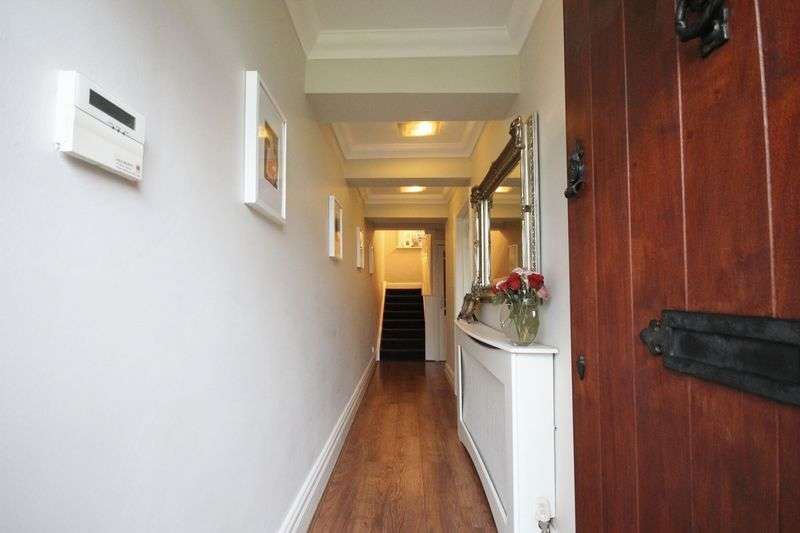 4 Bedrooms House for sale in Bolton Old Road, Atherton, Manchester.