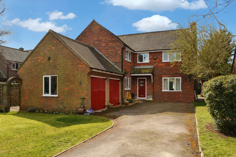 4 Bedrooms Detached House for sale in Old London Road, Milton Common