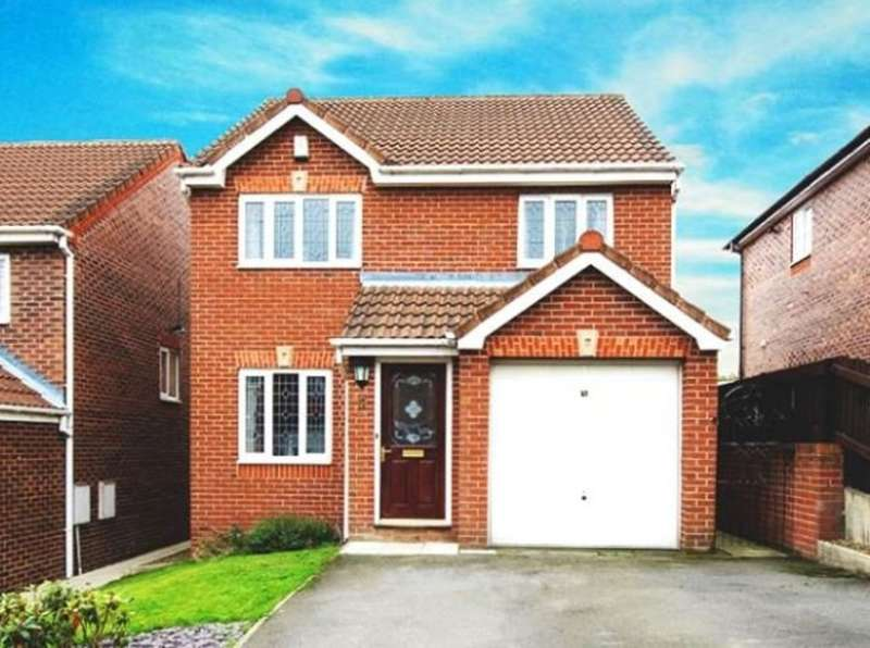 3 Bedrooms Detached House for sale in Laithes Crescent, Wakefield