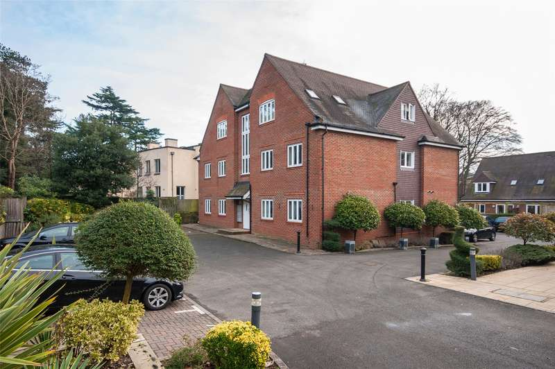 2 Bedrooms Flat for sale in Charlwood Place, Reigate, Surrey, RH2
