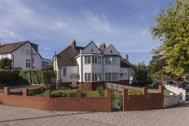 4 Bedrooms House for sale in Bewlys Road, West Norwood