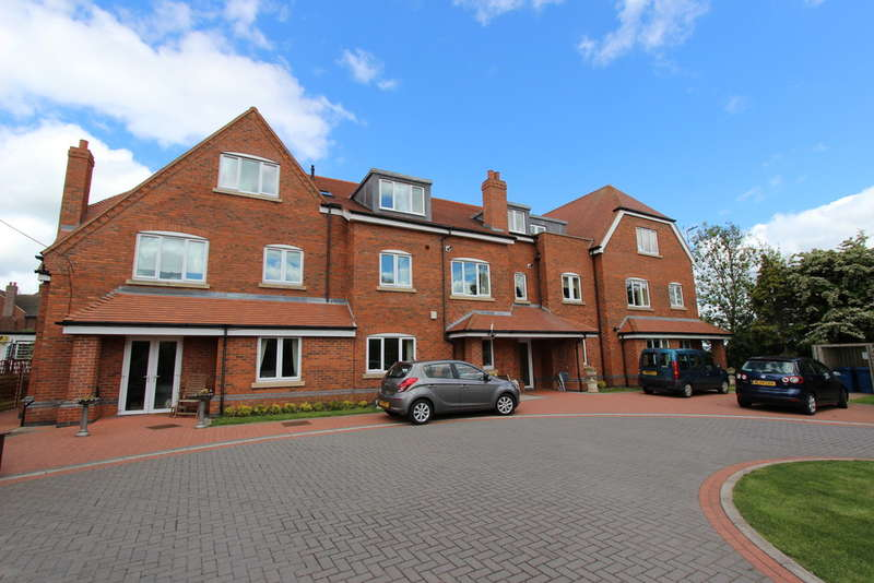 1 Bedroom Ground Flat for sale in Standon Gardens, Tamworth