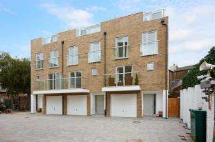 3 Bedrooms End Of Terrace House for sale in The Kings Quarter, Rochester, Kent
