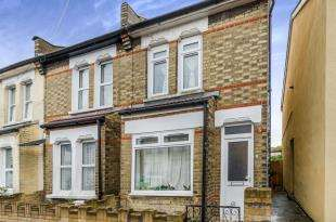 3 Bedrooms End Of Terrace House for sale in Boulogne Road, Croydon, Surrey