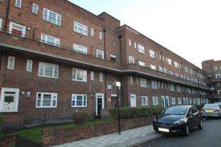 3 Bedrooms Flat for sale in Brady House, Worsopp Drive, London