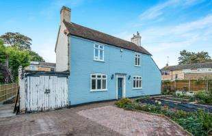 3 Bedrooms Detached House for sale in South Road, Faversham, Kent