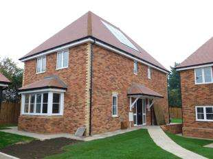 4 Bedrooms Detached House for sale in Tyland Mews, Sandling, Maidstone, Kent