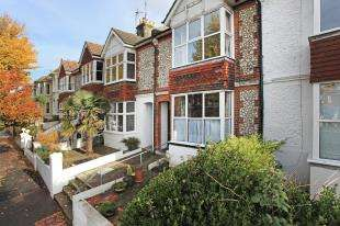 2 Bedrooms Maisonette Flat for sale in Southdown Avenue, Brighton, East Sussex