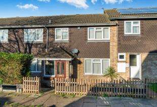 3 Bedrooms Terraced House for sale in Doria Drive, Gravesend, Kent, Gravesend