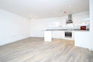 2 Bedrooms Flat for sale in Tavernelle House, Sutton