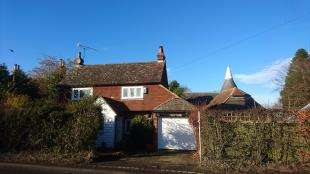 3 Bedrooms Detached House for sale in Pell Green, Wadhurst, East Sussex