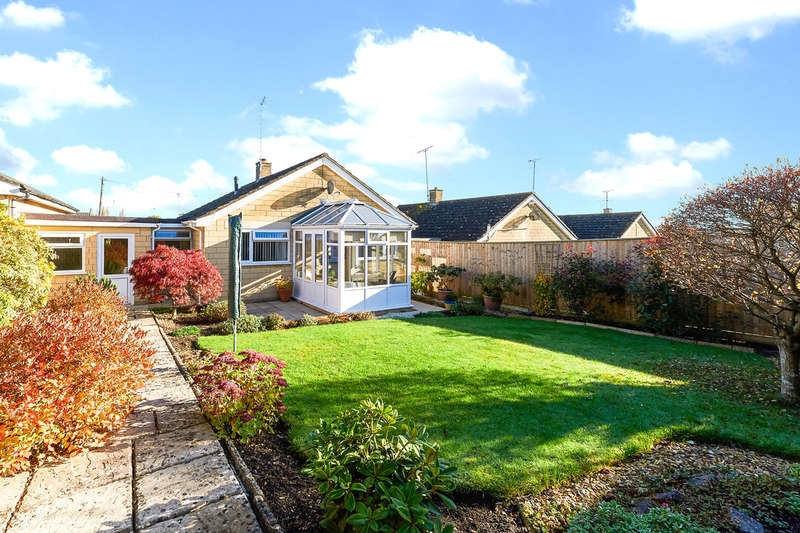 2 Bedrooms Detached Bungalow for sale in Brook Drive, Corsham