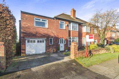 4 Bedrooms Semi Detached House for sale in Chestnut Drive, Leigh, Greater Manchester