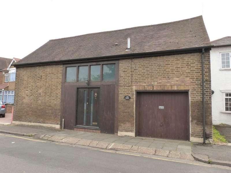 4 Bedrooms Detached House for sale in Cranford Lane, Harlington, UB3 5HA