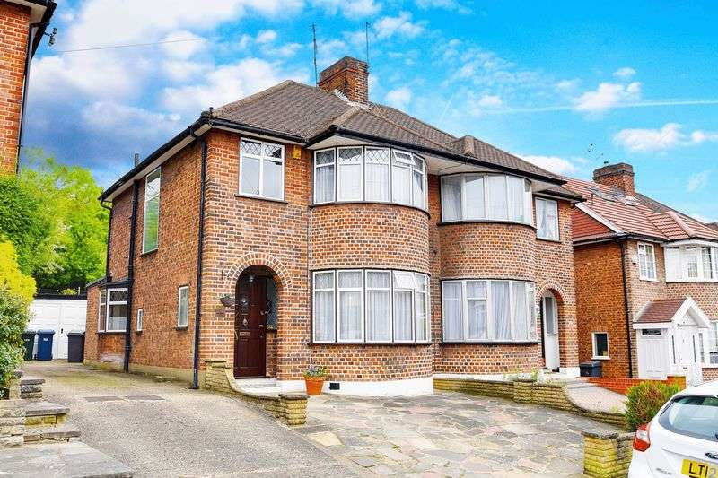 3 Bedrooms Semi Detached House for sale in Lincoln Avenue, Southgate, N14