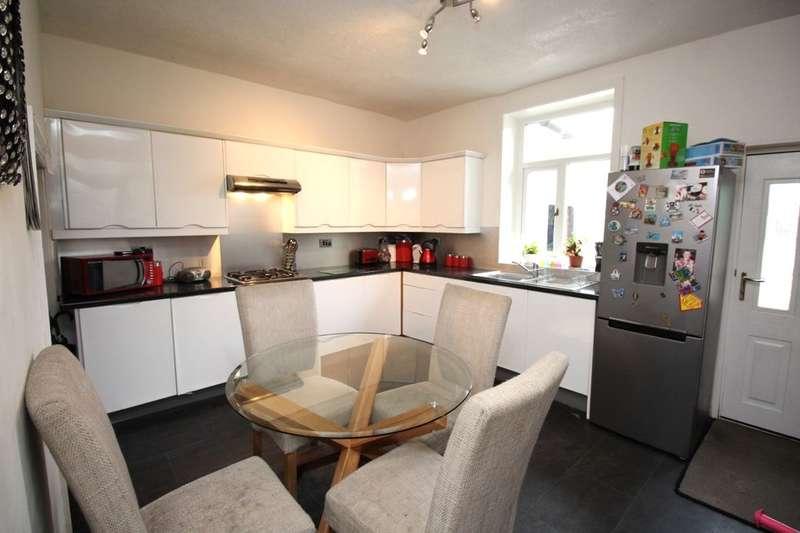 3 Bedrooms Property for sale in Sarah Street, Darwen, BB3