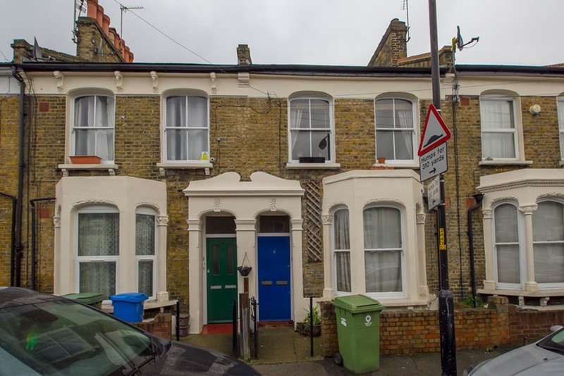 1 Bedroom Flat for sale in Geldart Road, London, London, SE15