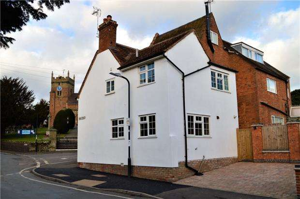 3 Bedrooms Semi Detached House for sale in Church Hill, Cubbington, Leamington Spa, Warwickshire
