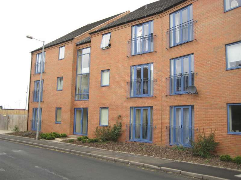 2 Bedrooms Flat for sale in Prospect View, Clive Road, Redditch