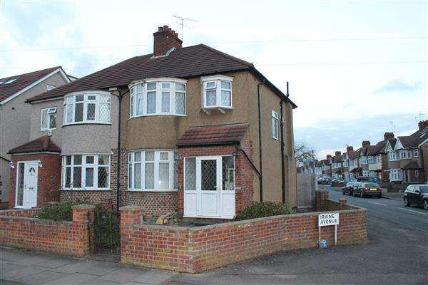 3 Bedrooms Semi Detached House for sale in Kenmore Avenue, Harrow