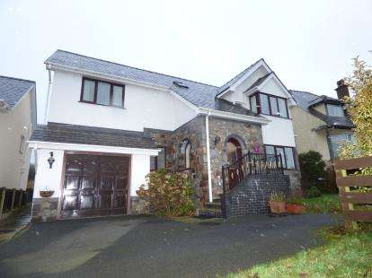 4 Bedrooms Detached House for sale in Maes Y Ffridd, Gwalchmai, Holyhead, Sir Ynys Mon, LL65