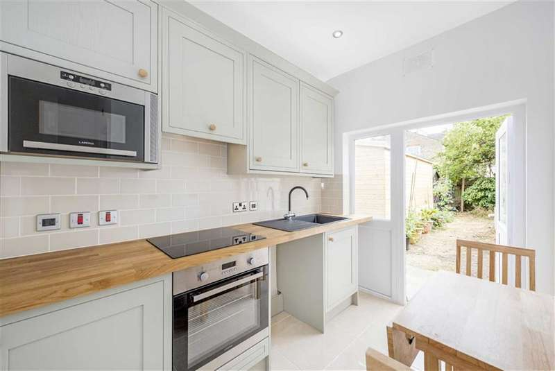 2 Bedrooms Flat for sale in Pendle Road, Furzedown